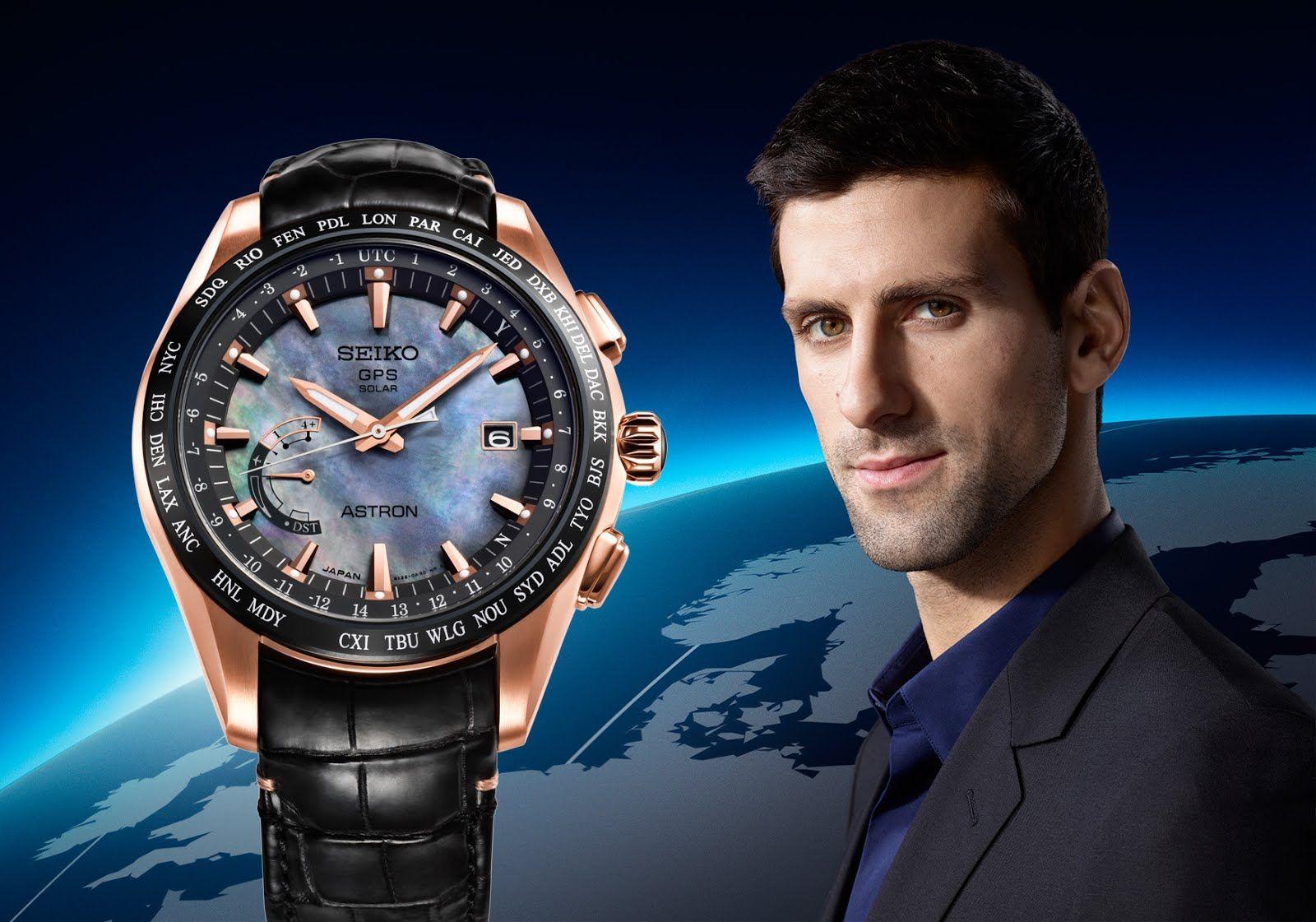 Seiko Astron GPS Solar World-Time Edición limitada Novak Djokovic debajo del reloj