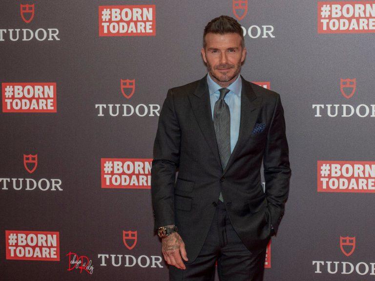 Sir David Beckham Debajo del Reloj