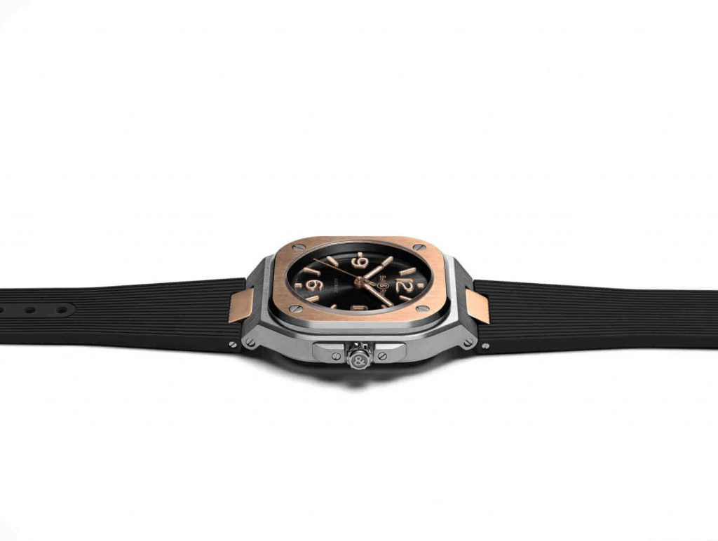 Bell & Ross BR 05 gold front brazalete lado