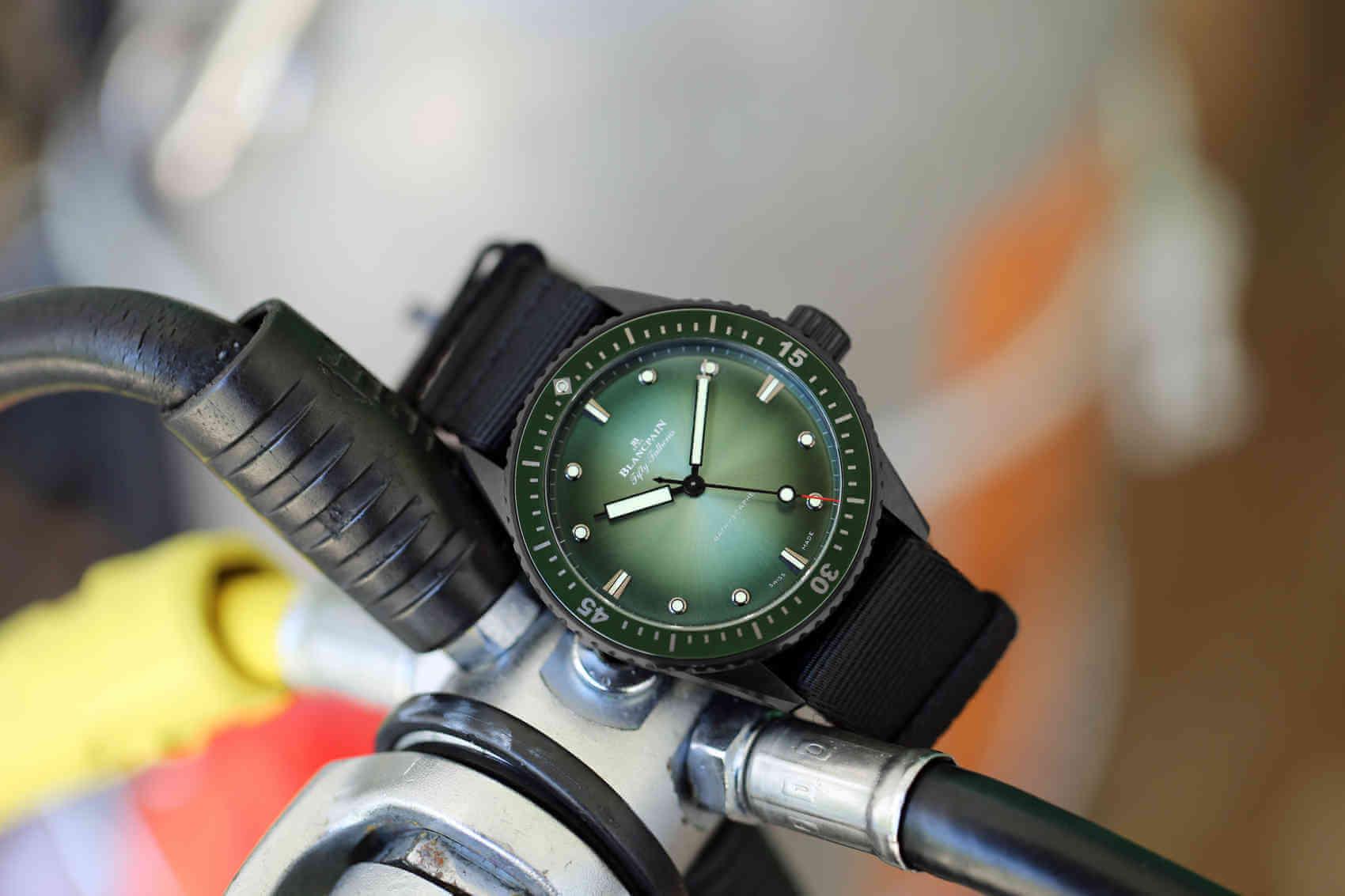 Blancpain Bathyscaphe Mokarran Limited Edition diver 2