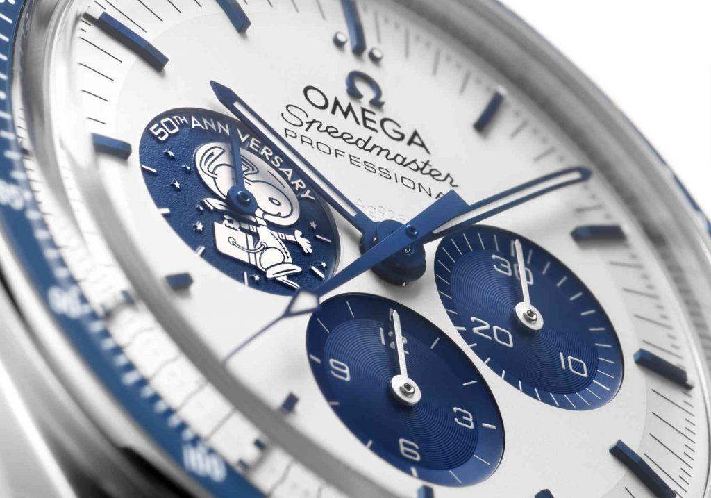 "Omega Speedmaster ""Silver Snoopy Award"" 50th Anniversary esfera"