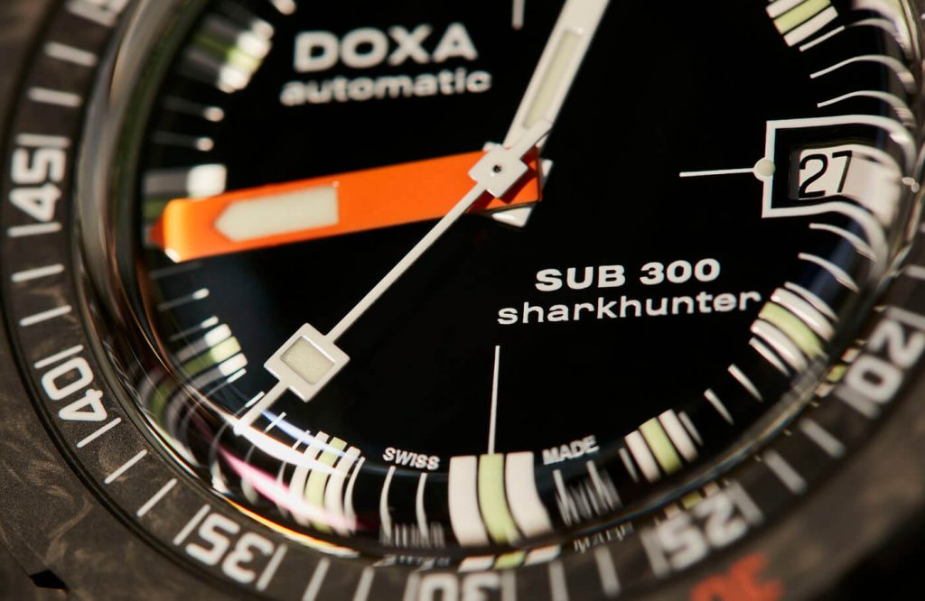 Doxa Sub 300 Carbon COSC 3