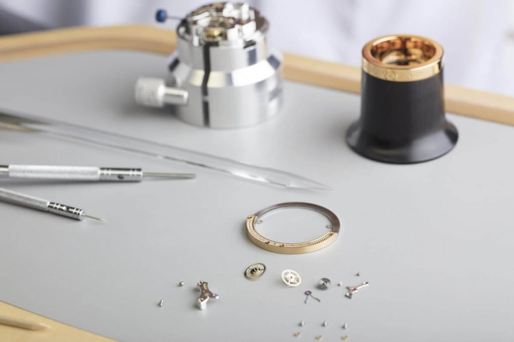 Caliber2160_Watchmaking_workshop (3)_1809770