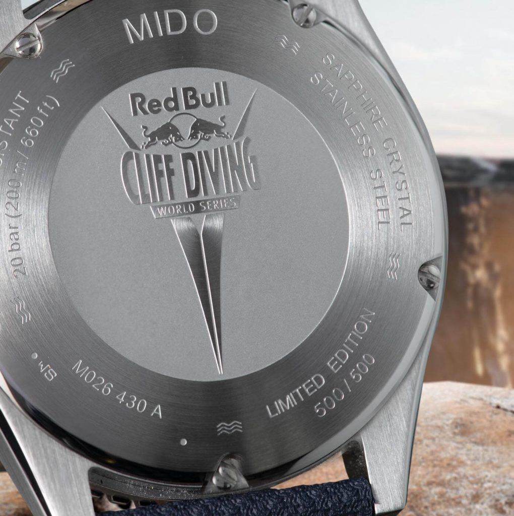 el logo 'Red Bull Cliff Diving', número de serie grabado + número de edición limitada back