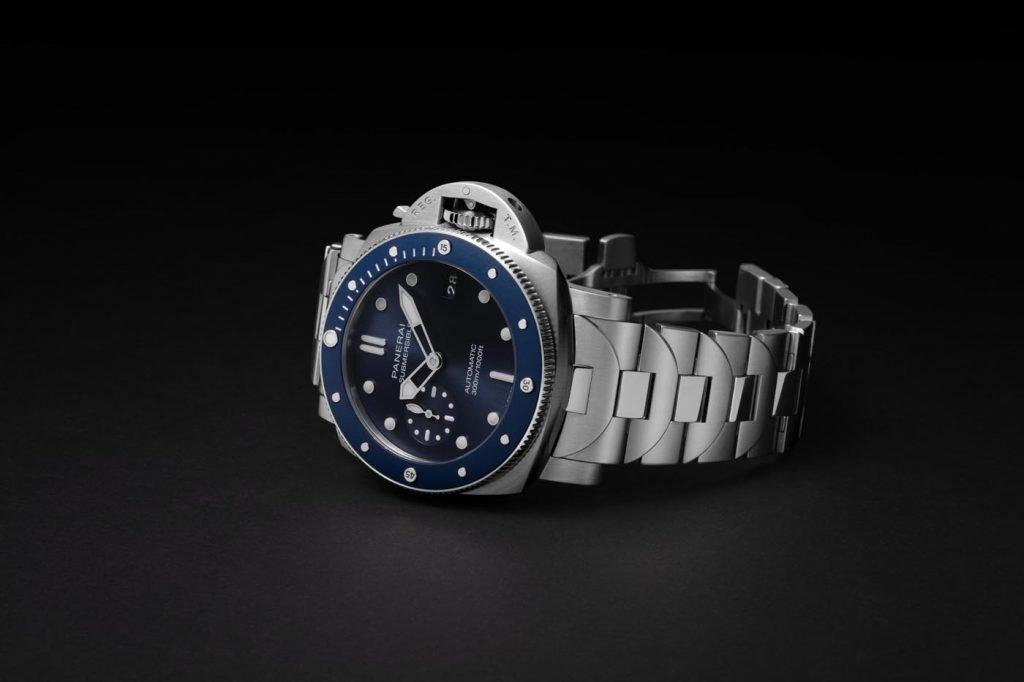 Panerai Submersible Blu Notte (PAM01068) 1
