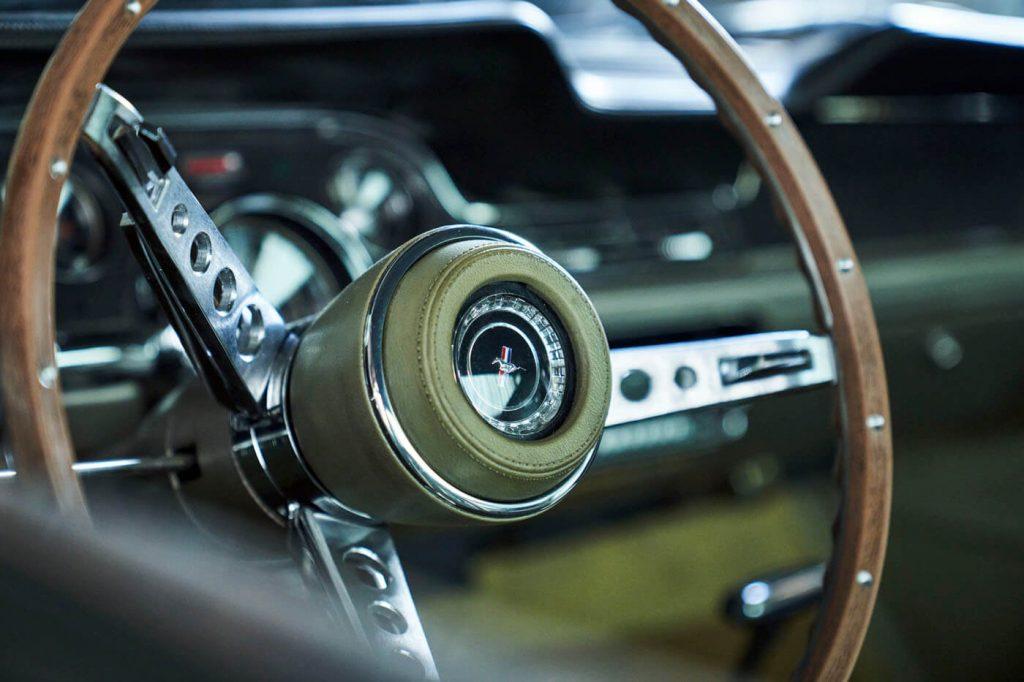 Ford Mustang DETA 2