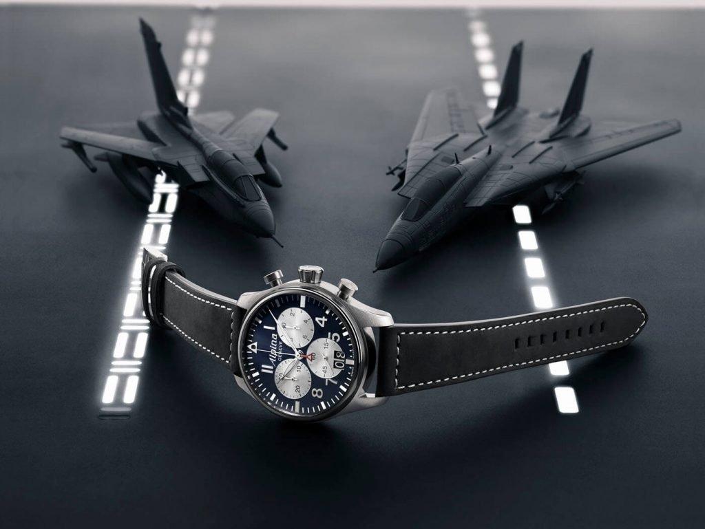 Frederique Constant Startimer Pilot Quartz Chronograph Big Date aviones 44 lportada 2
