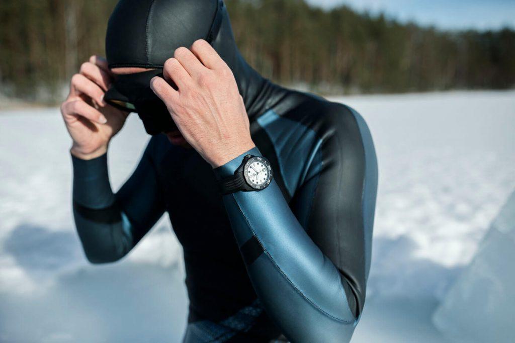 Tag Heuer Aquaracer Professional 300 Night Diver Calibre 5 1