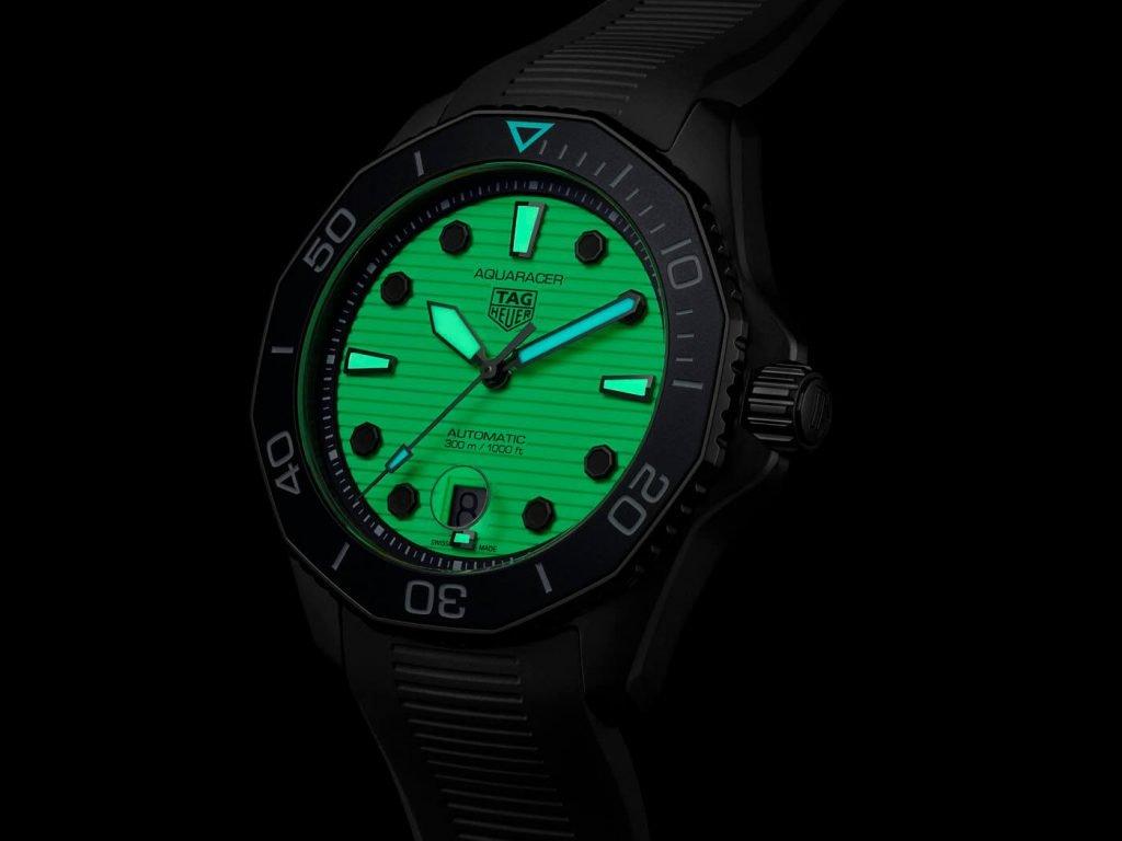 Tag Heuer Aquaracer Professional 300 Night Diver Calibre 5 3
